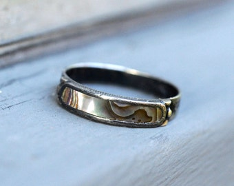 vintage sterling silver and abalone Mexican ring size 6 1/2, size 6.5 sterling abalone ring