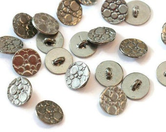 Piece of Tin button textured with arch LoB-137 (20 pieces)
