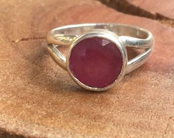 Ruby silver Ring, Red ruby Ring, 925 Sterling ruby Ring, Silver ruby Ring, Ring size US 6, Round ruby Ring, Ruby gemstone, Ruby red ring,