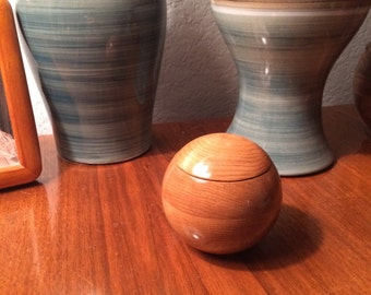 Keepsake Box Cherry, Spherical, for your collectables