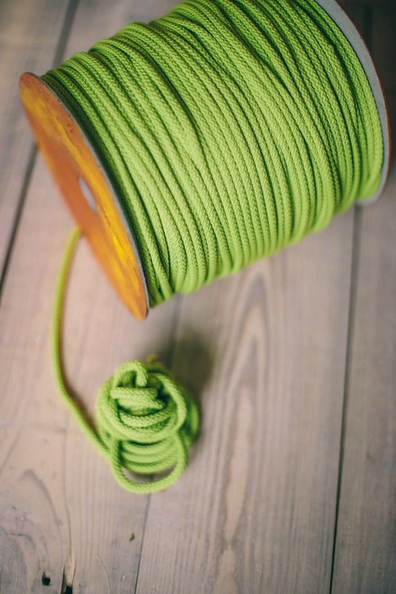 LIGHT GREEN crochet rope, makramee garn, macrame cord, macrame rope, DIY projects, craft supplies, craft yarn, rope, polyester cord. #39