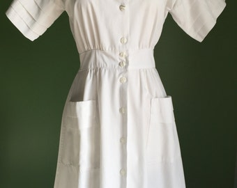 70's White Cotton Day Dress with Pleating Sleeves and Pockets