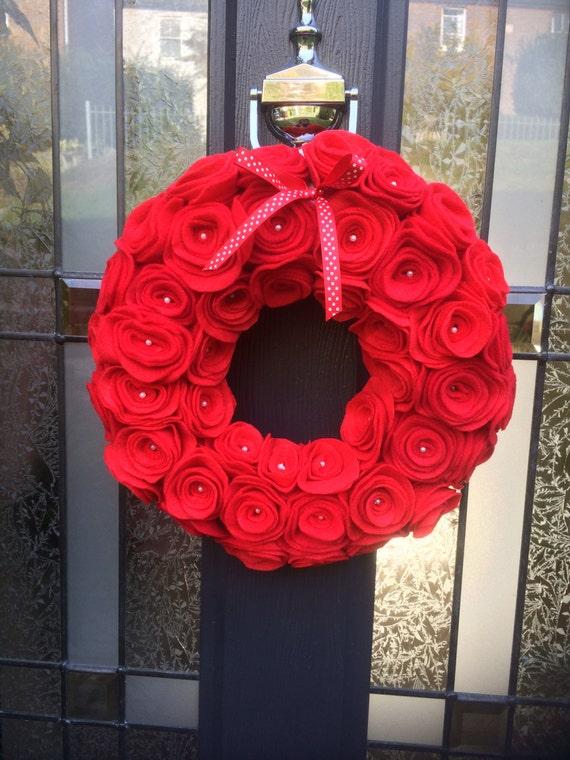 Felt wreath. Red Felt Roses. Holiday. Valentines. Door Decor. Door Hanging. Wall Hanging. Custom. Flower Wreath. Red roses.