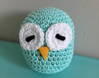 "5"" Sleepy Eyed Beach Blue Crochet Owl Plush"