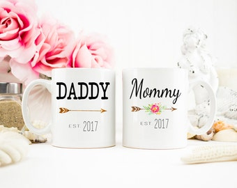 Mommy and Dadddy mugs, New Parents gift, Baby Shower Gift, New Parents, Baby Announcement, Mom Mug, Dad Mug, Gift for Parents, Mug Set
