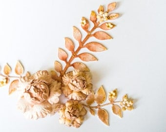 Handmade golden paper flowers and leaves // scrapbooking and cardmaking embellishments // giftwrapping decoration // vintage flowers