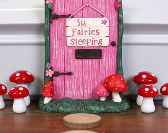 Cute Pink 'Shh Fairies Sleeping' Fairy Door !
