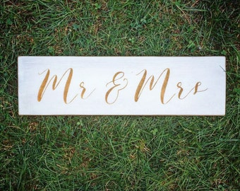 Mr and Mrs Wood Sign | Metallic Gold on White | Head Table Sign