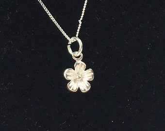 925 Sterling Silver Flower Pendant Necklace