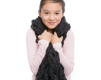 multi-dimensional scarf - charcoal gray