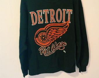Vintage NICE Detroit Red Wings NICE Sweatshirt Soft and Thin