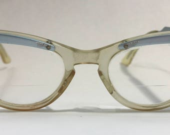 1950's | Eyeglasses with case | lences still attached