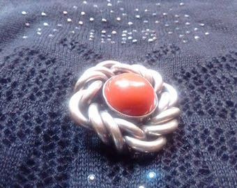 Brooch with coral