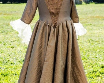 Dress Queen Sun 10 years with removable collar