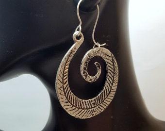 Antique Silver Feather Swirl Earrings, Boho Feather Earrings, Bohemian Feather Earrings, Eclectic Style, Gypsy Feather Earrings