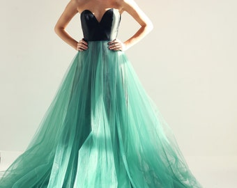 Sample Sale  BRAND NEW green silk and tulle evening gown