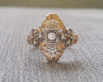 Antique Two Toned Gold Diamond engagement Ring Flower Art Deco Art Nouveau Filigree Vintage Art Deco White Yellow Delicate 14k Gold Size 5.5