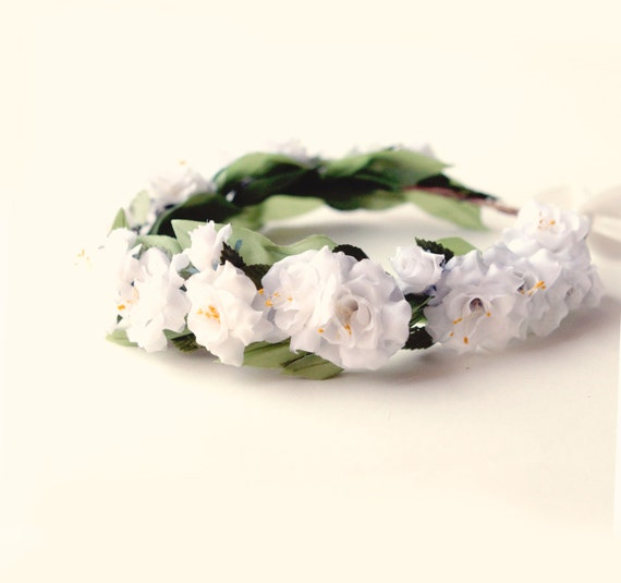 White rose flower crown, White floral wreath, Boho wedding headpiece, Flower bridal hair accessory, Wild rose crown
