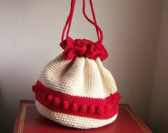 Vintage crochet pouch purse / Valentine date purse / red and ivory, popcorn stitch, pom poms