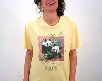 90s Panda Bear T-shirt, National Zoo T-shirt, Giant Panda T-shirt, Yellow Smithsonian T-shirt, Animal T-shirt, Bear T-shirt, Panda Shirt M