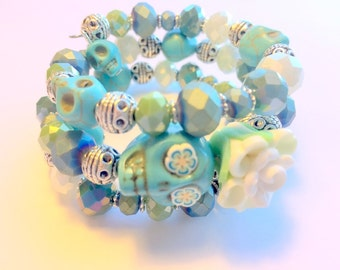 Bracelet Day of the Dead Sugar Skull and Rose Memory Wire in Turquoise, White, and Green
