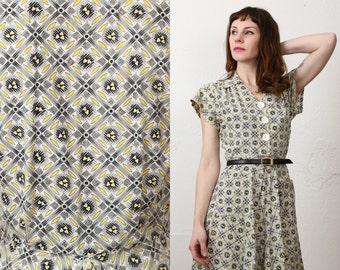SALE- 1940s Nest Print Dress - Small