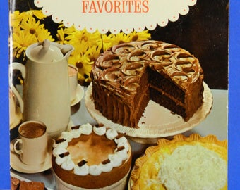 Baker's Chocolate & Coconut Favorites Vintage Recipes 1975 Edition Cut Up Cakes 20494
