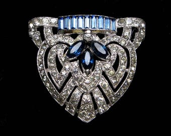 VINTAGE Rhinestone Dress CLIP Art DECO French Paste Fur Scarf 1930s Pot Metal Jeweled Brooch Pendant Old Jewelry Crystal Gift Blue Sapphire
