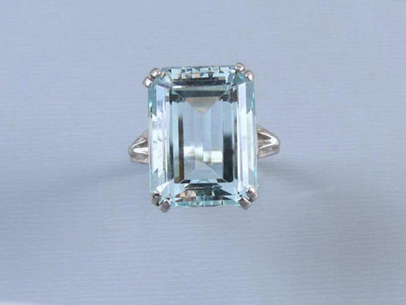 Fabulous vintage 18k white gold 10.50 ct aquamarine solitaire statement cocktail ring, size 6, signed Helm & Hahn Co.