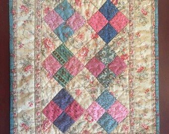 Table topper ~ Doll Quilt