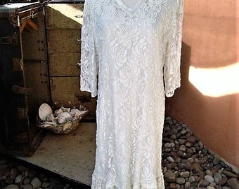 1970s Candlelight White Pearls & Beaded Lace Overlay Dress by GUNIT Size X2