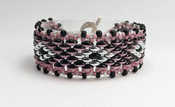 Lilac and Black Beaded Bracelet with Silver Colored Diamonds Sku: BR1029