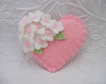 Mother's Day Brooch Pin Pink Felt Flower Heart Beaded Mom