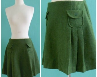 60's olive green wool mini skirt with pockets ~ small medium