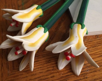 Lilies Flower Pen Set of 2 White Yellow Red Guest Book Pens Bridal Shower Wedding Decor Ready to Ship