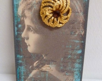 Vintage 1960's/70's Floral Swirl, Facetted Faux Amethyst, Gold Tone Brooch Pin, Victorian Young Lady Card Display