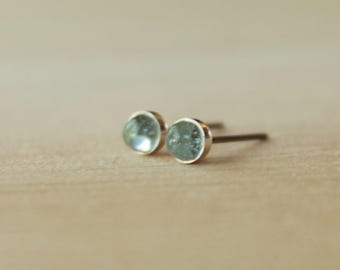 4mm Sky Blue Topaz Bezel Set Gemstone on Niobium or Titanium Posts (Hypoallergenic Stud Earrings for Sensitive Ears)