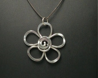 Aluminum Daisy Necklace