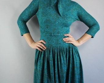 Vintage 1950s 50s Women's Teal Blue Paisley Fall Winter Full Skirt Wear to Work Day Dress