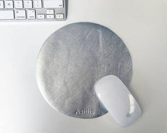 Personalized Metallic Mouse Mat Silver Circle Rose Gold Leather Custom Monogram Mouse Mat Minimal Round Desk Keyboard Home Office Accessory
