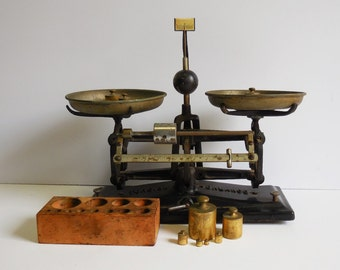 Antique Cast Iron Balance Scale w/ brass weights wood box two pans apothecary counter scale