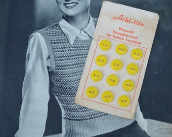 Button Card - 12 VINTAGE Yellow Plastic Buttons - Vintage Haberdashery