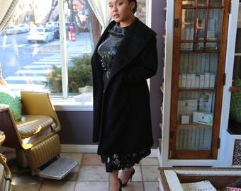 Free Shipping!: Vintage Plus Size 1980s Black Wool Oversized Lapel/Collar Coat