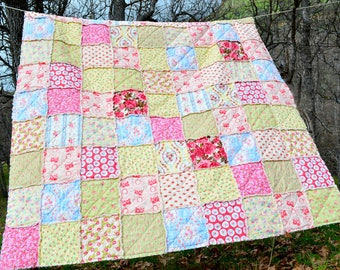 Springtime Shabby Chic Rag Quilt, Twin Size