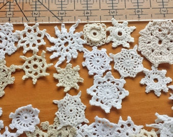25 Mini Crochet Doilies in White, Beige, Cream, Ecru and other Natural Colors, Tiny Doilies for Crafts, Sewing, Jewelry, Dream Catchers