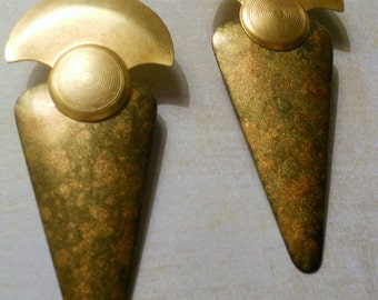 Egyptian Style Earrings ~ Beautiful Art Deco with Movable Swinging Bottom