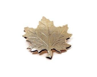 Vintage Maple Leaf Brooch Pin Etched Design Fall Autumn Jewelry Gold Tone