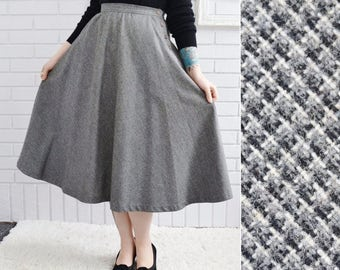 Vintage 1970s Gray Swing Skirt with Pockets and Side Buttons Size XS or Small