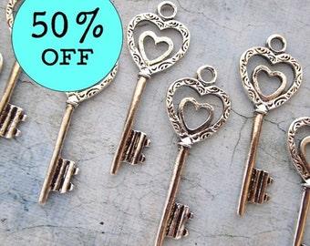 Double Heart Antique Silver Skeleton Key - Set of 10