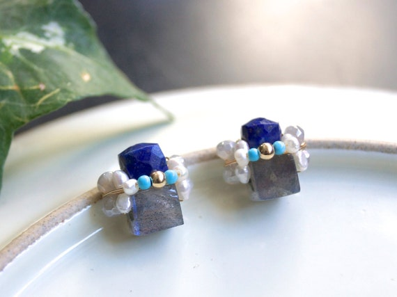 Lapis lazuli and labradorite earrings - wire wrapped cluster studs earrings